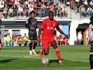 Liverpool thừa trung vệ đầu mùa giải 2021-2022